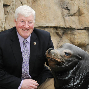 Stuart Strahl poses with a seal! He may have the coolest job ever... (Brookfield Zoo/CZS)